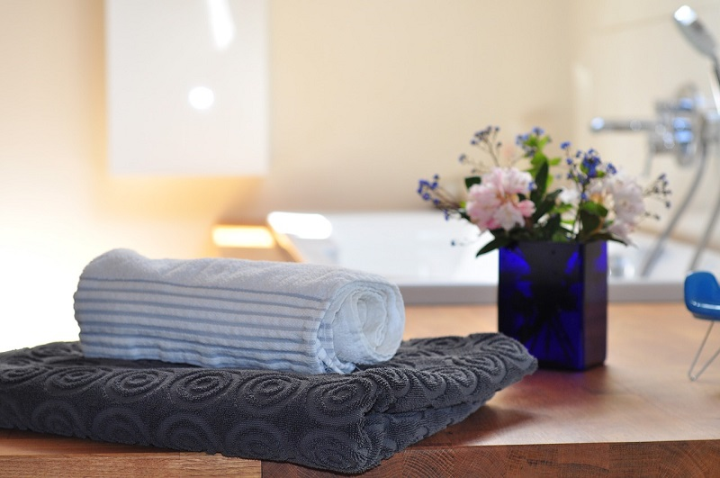 Energooszczędne grzejniki łazienkowe świetnie sprawdzają się do suszenia ręczników